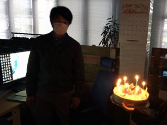 誕生日ケーキ登場